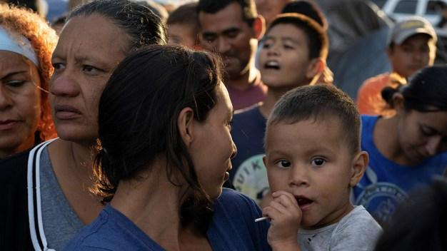 Los Ángeles aprueba programa de asentamiento de refugiados
