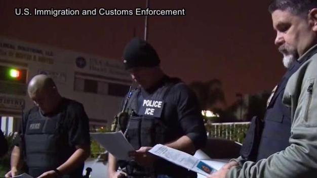 ICE planea gran redada para capturar a indocumentados
