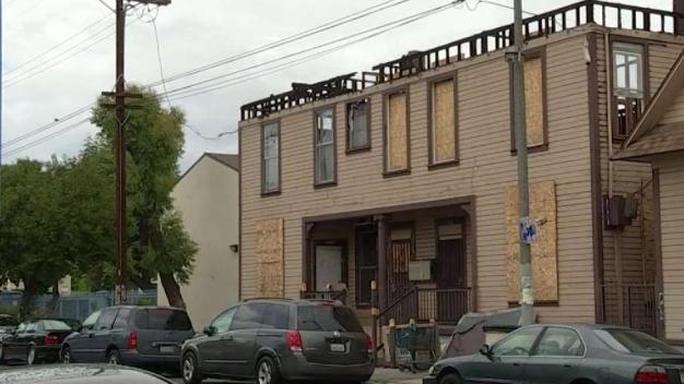 Inquilinos se quedan sin hogar tras incendio