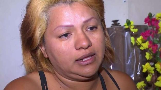 Madre inmigrante busca reunirse con su hijo