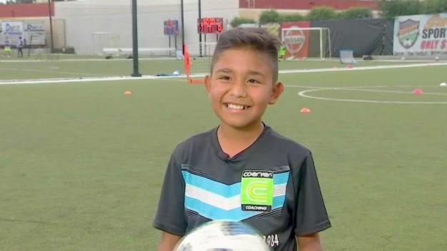 """Niño quiere llegar hacer grande como """"Messi"""""""