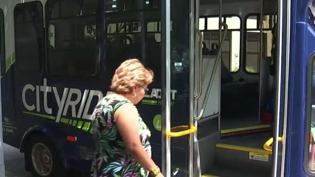 Transporte ofrece servicios 24 horas del día a bajo costo