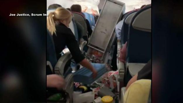 Intensa turbulencia desvía vuelo hacia Reno