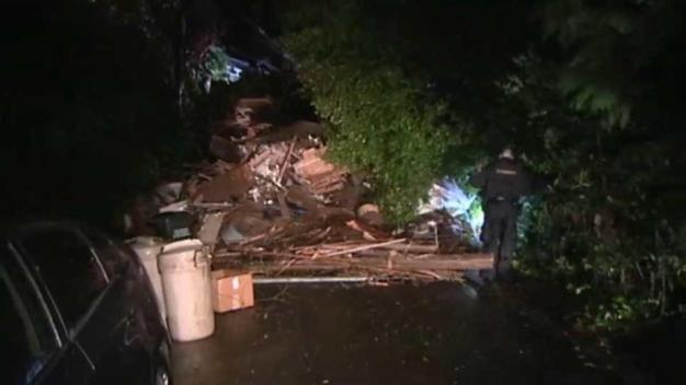 Mujer rescatada al quedar atrapada en vivienda en Sausalito
