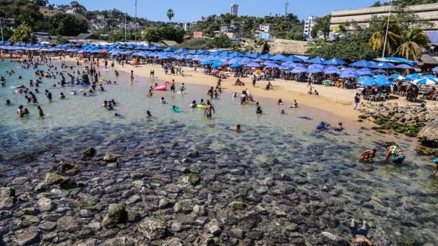 Playas al desnudo: mar se aleja 32 pies de la costa