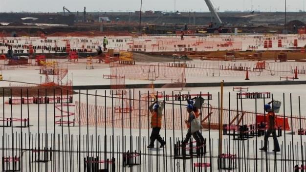 """Equipo de AMLO: """"enorme error"""", el nuevo aeropuerto"""