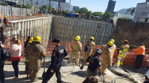 Derrumbe de 3 casas en Monterrey termina en muerte