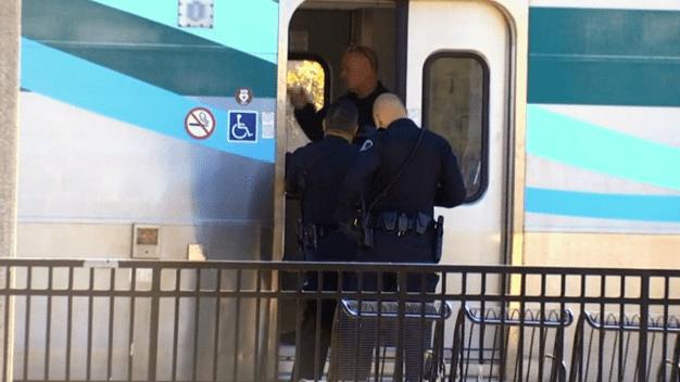 Arrestan a pasajero perturbado en tren Amtrak