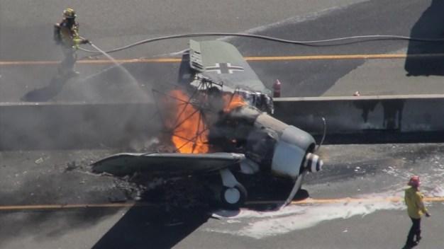 Avioneta aterriza  en  la  Autopista 101