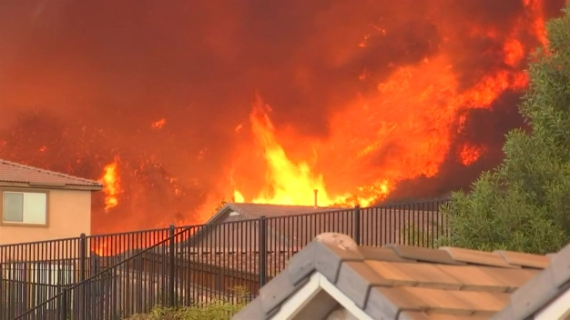Evacuaciones en áreas afectadas por los incendios