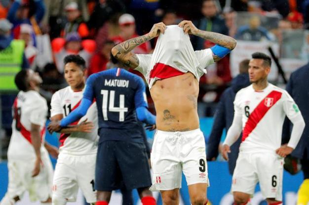 Francia derrota a Perú y lo deja afuera del Mundial