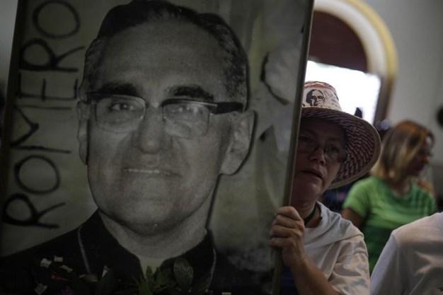 Los misterios que rodean el sanguinario asesinato de monseñor Romero