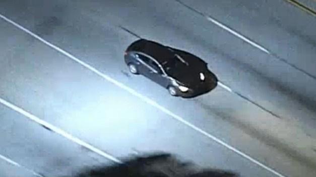 Persecución de supuesto auto robado cerca de LAX
