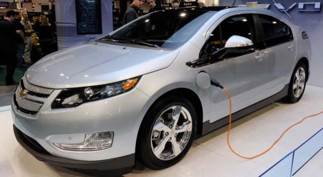 Si GM fabrica más autos eléctricos habría menos empleos