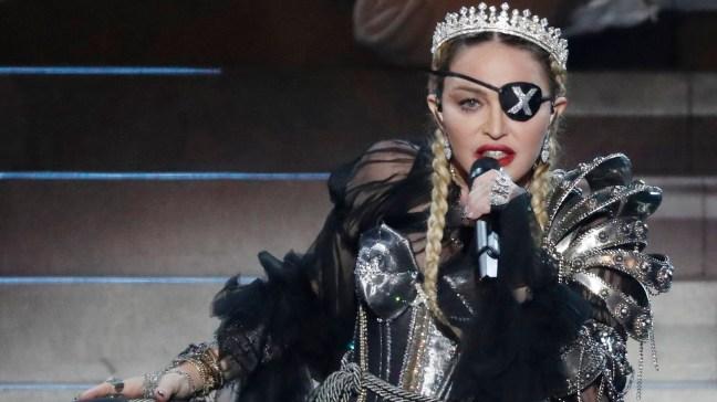 """AP: nuevo disco de Madonna es un """"intento desesperado"""""""
