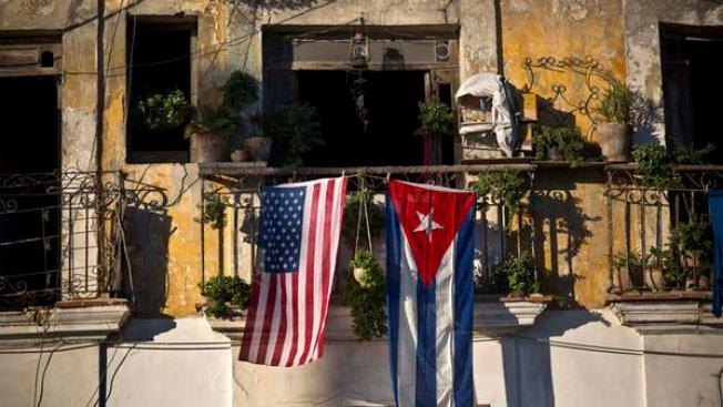 Votan a favor de liberar viajes a Cuba