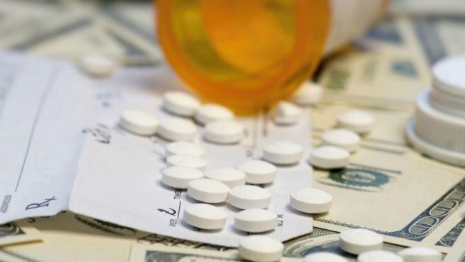 Escándalo tras subida de fármaco de $13.5 a 750