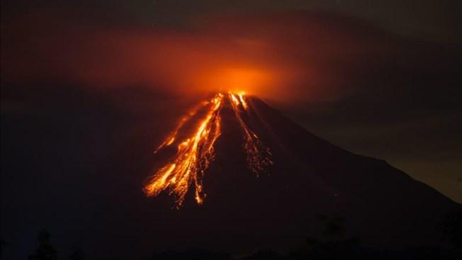 Volcán de Colima entra en erupción permanente