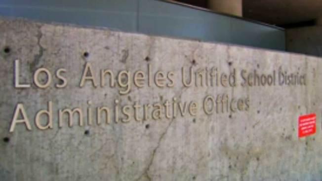 Escándalo de infieles rodea a escuelas de L.A.