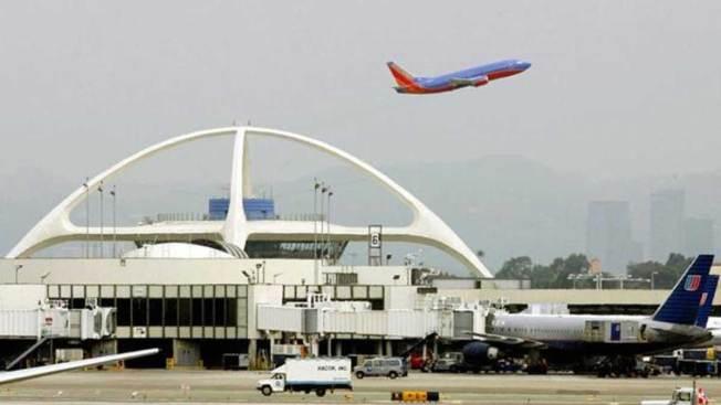 Dos aviones se impactan en aeropuerto de L.A.