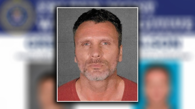 """""""Pesadilla de mujeres"""", el peligroso fugitivo buscado por el FBI"""