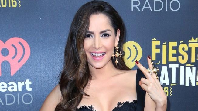 Carmen Villalobos muestra su trasero y su bronceado