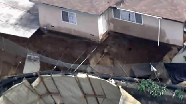 Enorme esfuerzo para evitar destrucción de casas