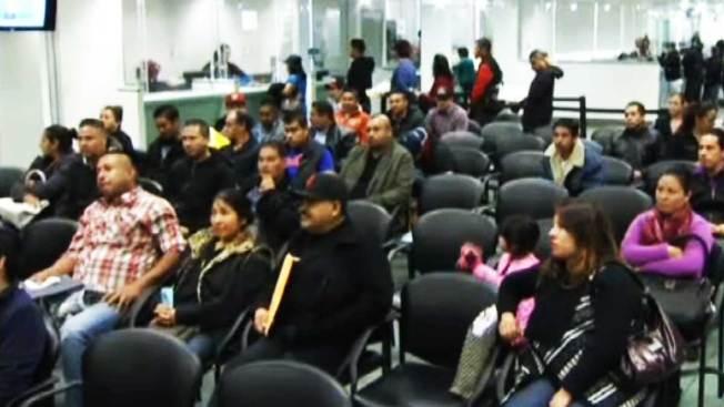 Consulado mexicano ayuda con licencias - Telemundo 52
