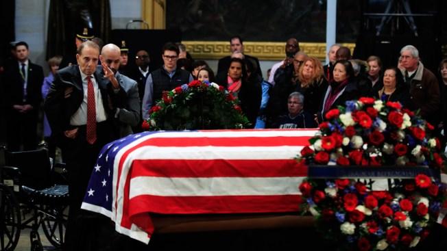 Los Ángeles declara día de luto para George H.W. Bush