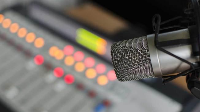 Comienza transmisión de radio católica en L.A.