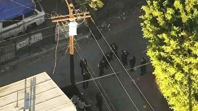 Encuentran un cadáver en callejón de L.A.
