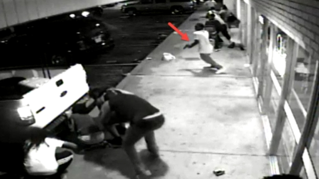 Difunden video inédito sobre tiroteo en Ferguson