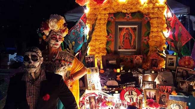 Calaveras y altares por el Día de los Muertos