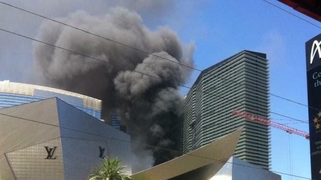 Voraz incendio en piscina de hotel en Las Vegas