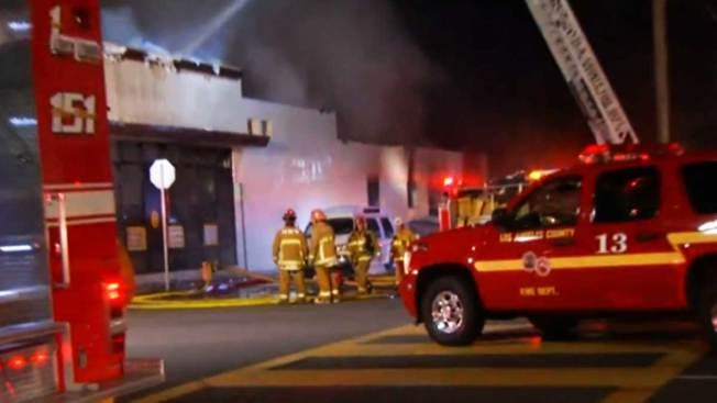 Incendio provoca caos en Huntington Park