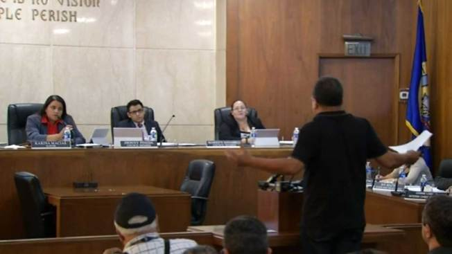 Polémica por nombramiento de indocumentados