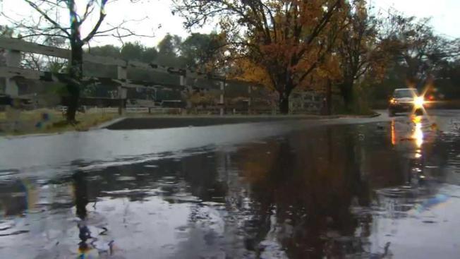 Lluvias provocan inundaciones a lo largo del Área de la Bahía