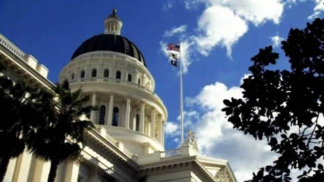 Senado de CA apoya la muerte asistida
