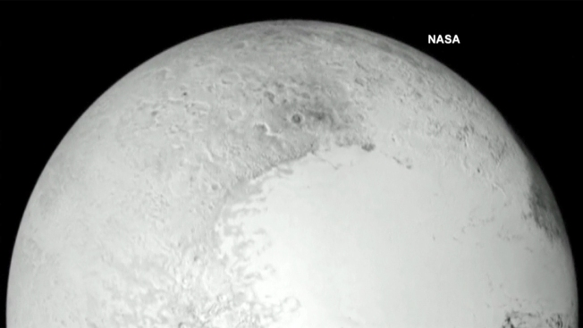 La NASA muestra a Plutón en todo su esplendor
