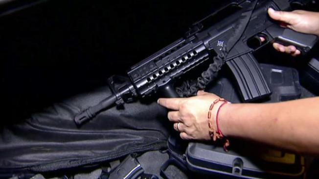 Congresistas de CA exigen medidas para controlar armas