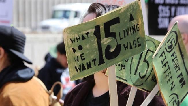 Piden subir a $15 por hora salario mínimo federal