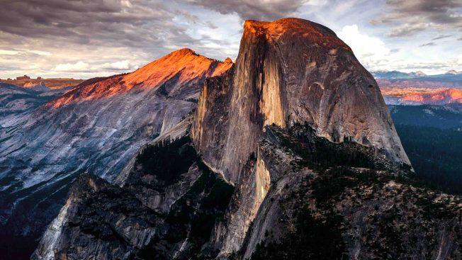 """Excursionista de Arizona muere tras caer al vacío mientras escalaba el """"Half Dome"""" en parque Yosemite"""
