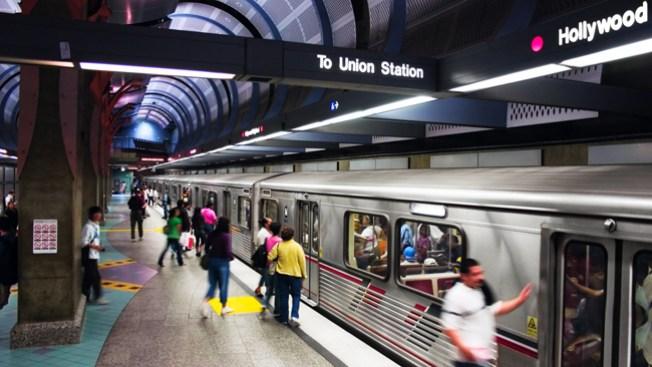 Muere hombre apuñalado en el Metro