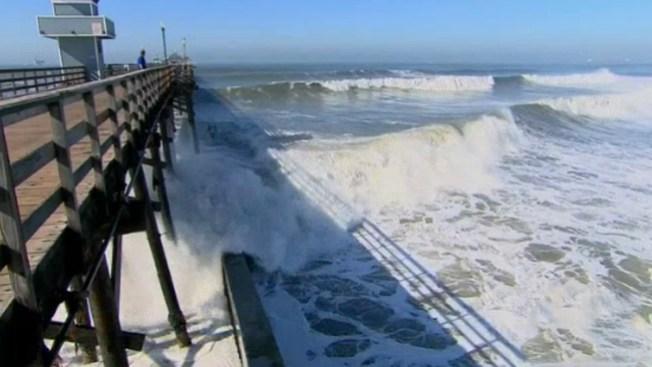 Alerta vigente por olas enormes