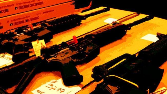 Polémica por tener a las armas en la mira