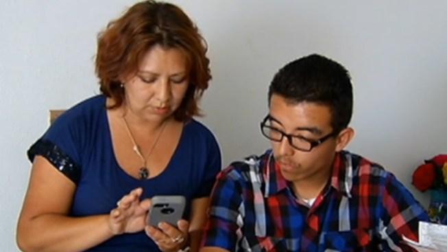Madre e hijo luchan contra el autismo