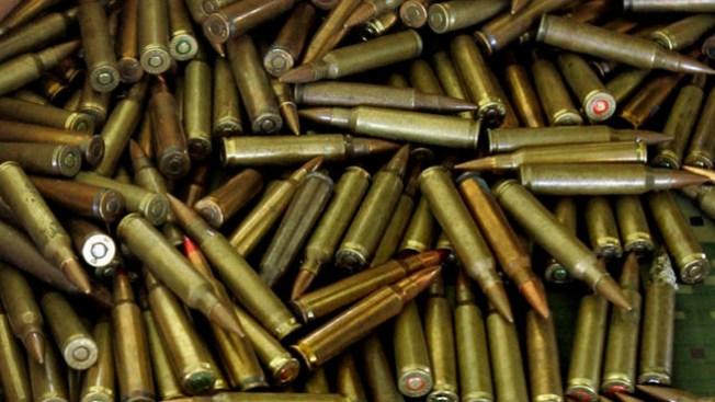 Frenan tráfico de municiones