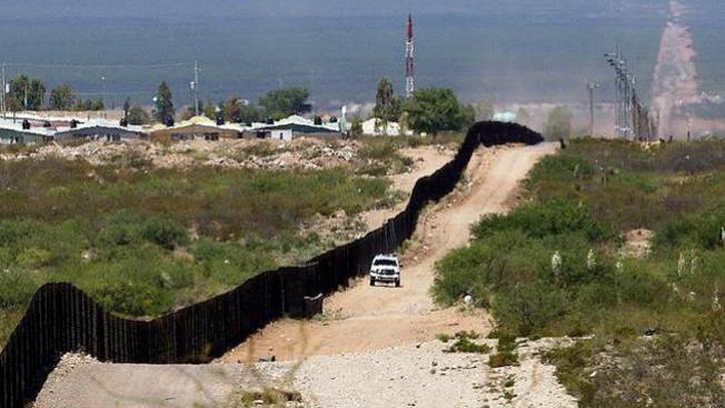Cruzan la frontera buscando un tesoro