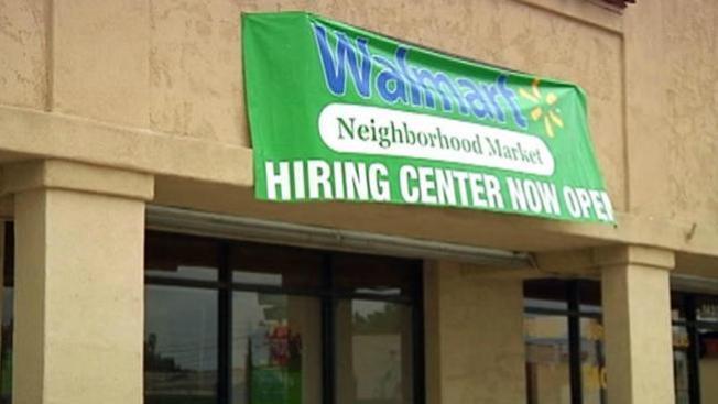 Walmart genera furor al ofrecer empleos