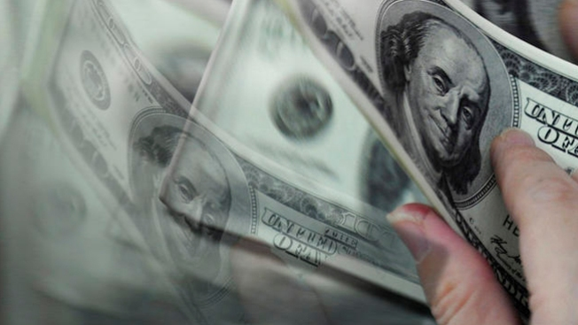 Esconde dinero y da pistas en Twitter